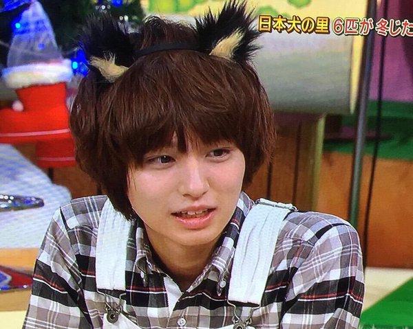 番組で猫耳を付ける伊野尾慧