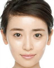 泉里香のすっぴん&メイク方法を画像でチェック!太眉が特徴的 | KYUN ...