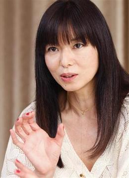 山口智子の髪型①さらさらロングストレート