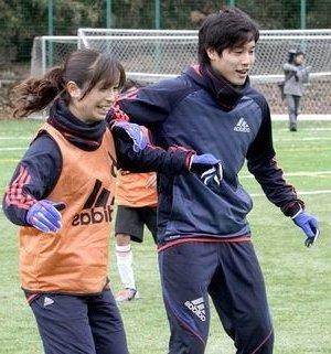 なでしこジャパンの鮫島彩選手