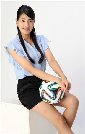 バレーボールを持っている永島優美