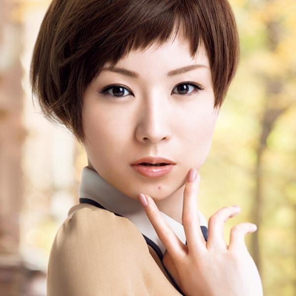 椎名林檎のすっぴん&メイク画像まとめ♡クール系美人なメイク顔の ...